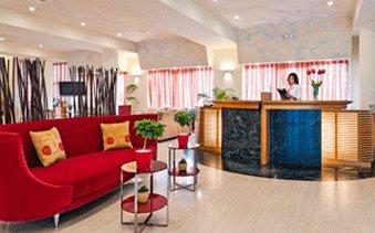 Santa Marina Plaza Luxury Boutique Hotel - Adults Only - Reception Desk