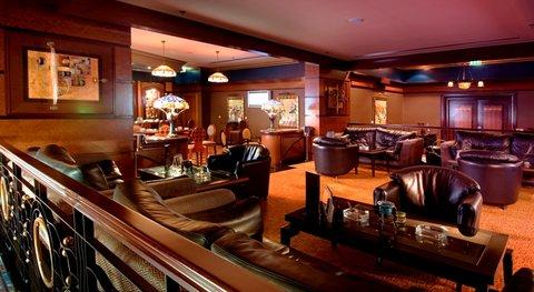 Al Raha Beach Hotel Abu Dhabi - Black Pearl Bar