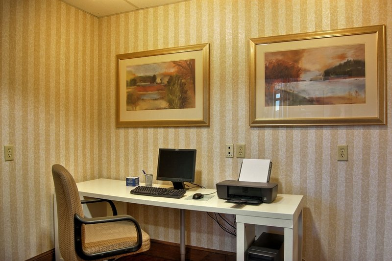 Holiday Inn Express Hotel & Suites Providence-Woonsocket Outros