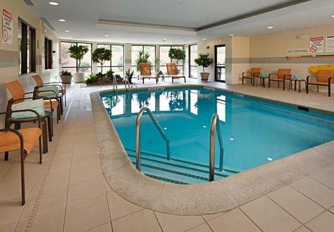Courtyard Harrisburg Hershey - Indoor Pool