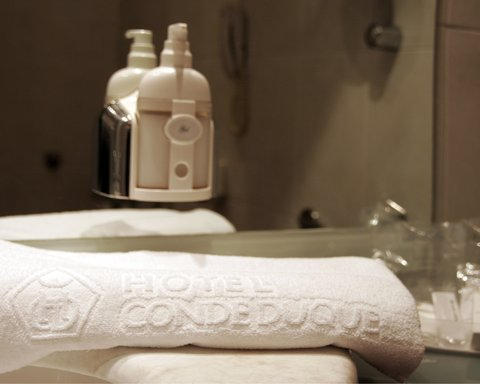 BEST WESTERN Hotel Conde Duque - Guest Bathroom