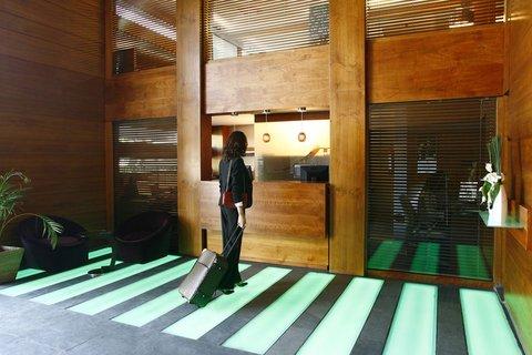 JM Suites Hotel - Reception