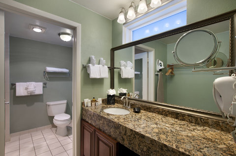 BEST WESTERN Key Ambassador Resort Inn - Vanity
