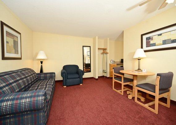 Quality Inn & Suites - Peosta, IA