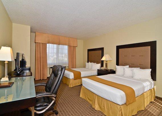 Quality Inn & Suites Los Angeles - Los Angeles, CA