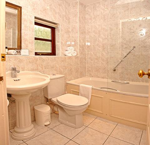 Greenhills Country Hotel - Standard Bathroom
