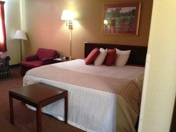Americas Best Value Inn - Faribault, MN