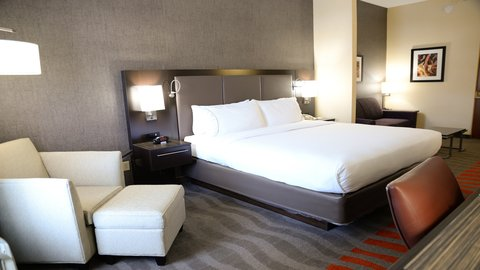Holiday Inn Express Hotel & Suites Centerville - Executive Suite