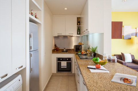 Somerset West Lake - One Bedroom Executive- Kitchen