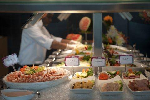 فندق كراون بلازا أبوظبي, جزيرة ياس  - Our various themed buffets are simply mouth watering