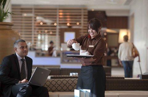 فندق كراون بلازا أبوظبي, جزيرة ياس  - Caf