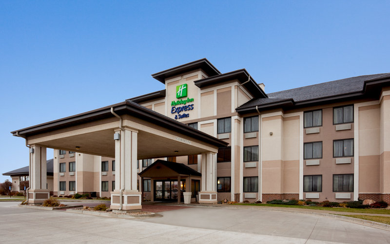 HOLIDAY INN EXP AND STES