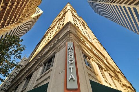 The Magnolia Hotel Dallas - Exterior Sign B