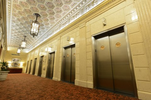 The Magnolia Hotel Dallas - Lobby Elevators