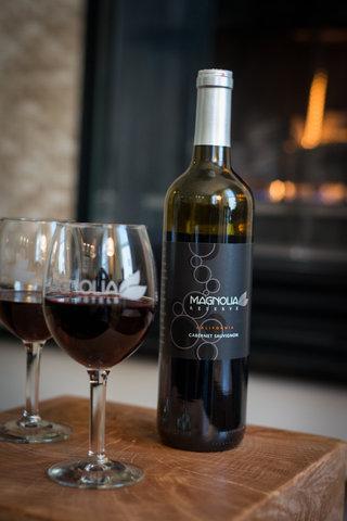The Magnolia Hotel Dallas - Magnolia Wine B