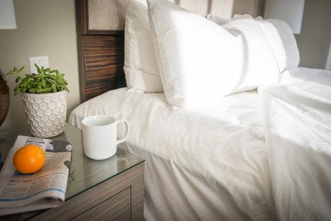 The Magnolia Hotel Dallas - Bed Morning B