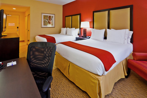 Holiday Inn Express & Suites NASHVILLE-OPRYLAND - Queen Bed Guest Room