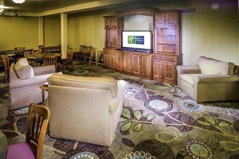 甘尼森快捷假日套房酒店 - Breakfast Room Seating Area