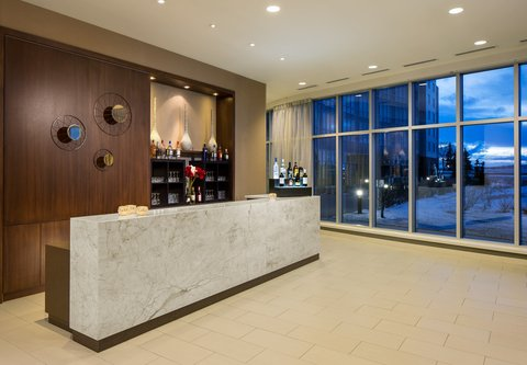 Courtyard By Marriott Calgary Airport Hotel - Pre-Function Area