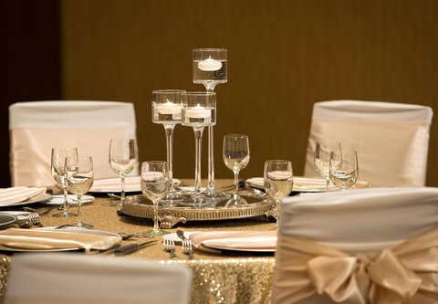 Courtyard By Marriott Calgary Airport Hotel - Social Events in Calgary