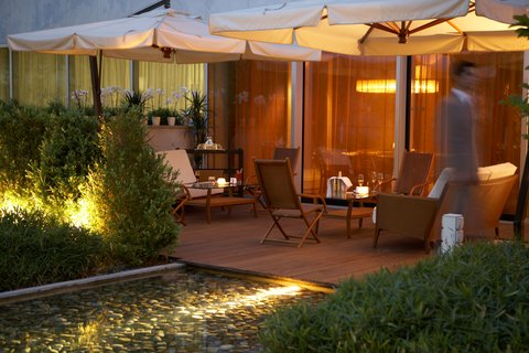 انتركوتيننتال جنيف - Terrace From Restaurant Woods