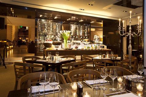 انتركوتيننتال جنيف - Buffet in Restaurant Woods