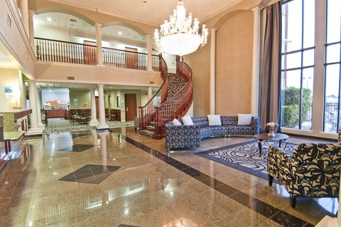Holiday Inn Express Hotel & Suites Lake Charles - Hotel Lobby