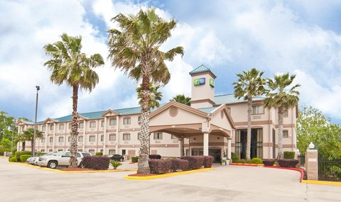 Holiday Inn Express Hotel & Suites Lake Charles - Exterior Feature