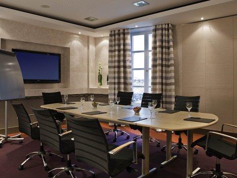 فندق غراند لا كلوش ديجون - ام غاليري باي سوفيتيل - Meeting Room