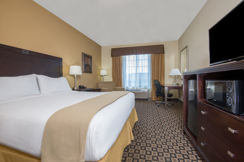 Holiday Inn Express Hotel & Suites Clovis - King Guest Room
