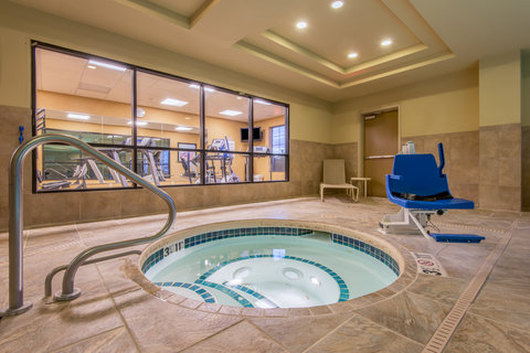Holiday Inn Express Hotel & Suites Clovis - Whirlpool