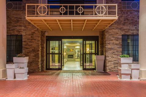 Holiday Inn Express Hotel & Suites Clovis - Entrance