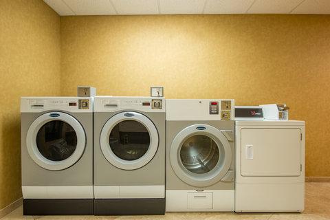 Holiday Inn Express Hotel & Suites Clovis - Laundry Facility