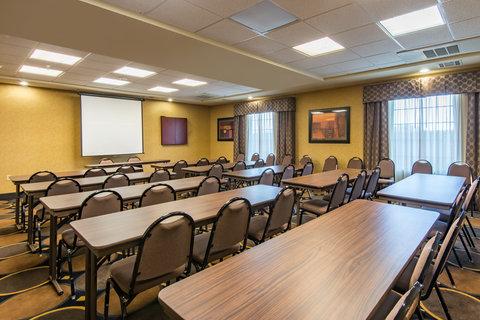 Holiday Inn Express Hotel & Suites Clovis - Meeting Room