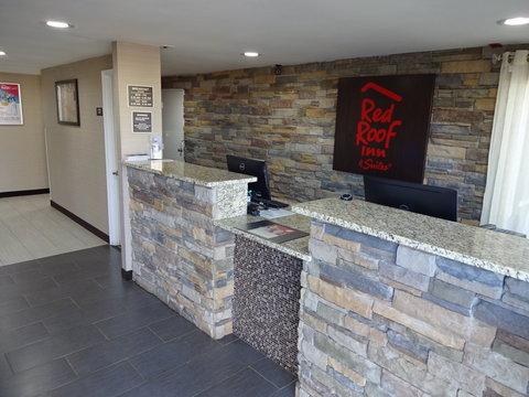 Red Roof Inn & Suites Greenwood, SC - Lobby