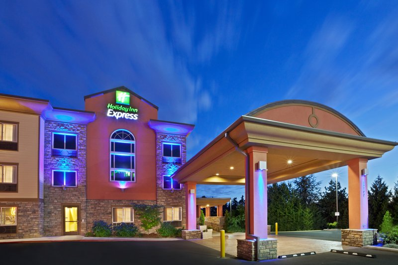 HOLIDAY INN EXPRESS TIGARD