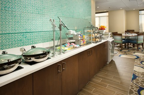 Wingate by Wyndham El Paso Airport - Enjoy a delicious breakfast buffet at Holiday Inn El Paso Airport
