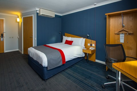 Holiday Inn Express EXETER M5, JCT. 29 - Sleep like a baby on our new comfortable mattresses