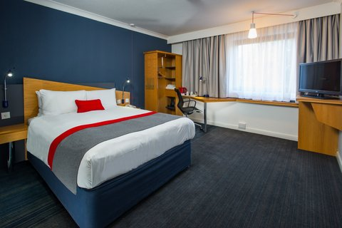 Holiday Inn Express EXETER M5, JCT. 29 - Our accessible rooms are spacious for your convenience