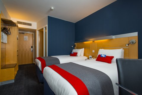 Holiday Inn Express CAMBRIDGE - Our rooms are selfie friendly