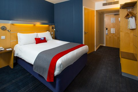 Holiday Inn Express CAMBRIDGE - Our rooms have had a little nip and tuck  Check them out