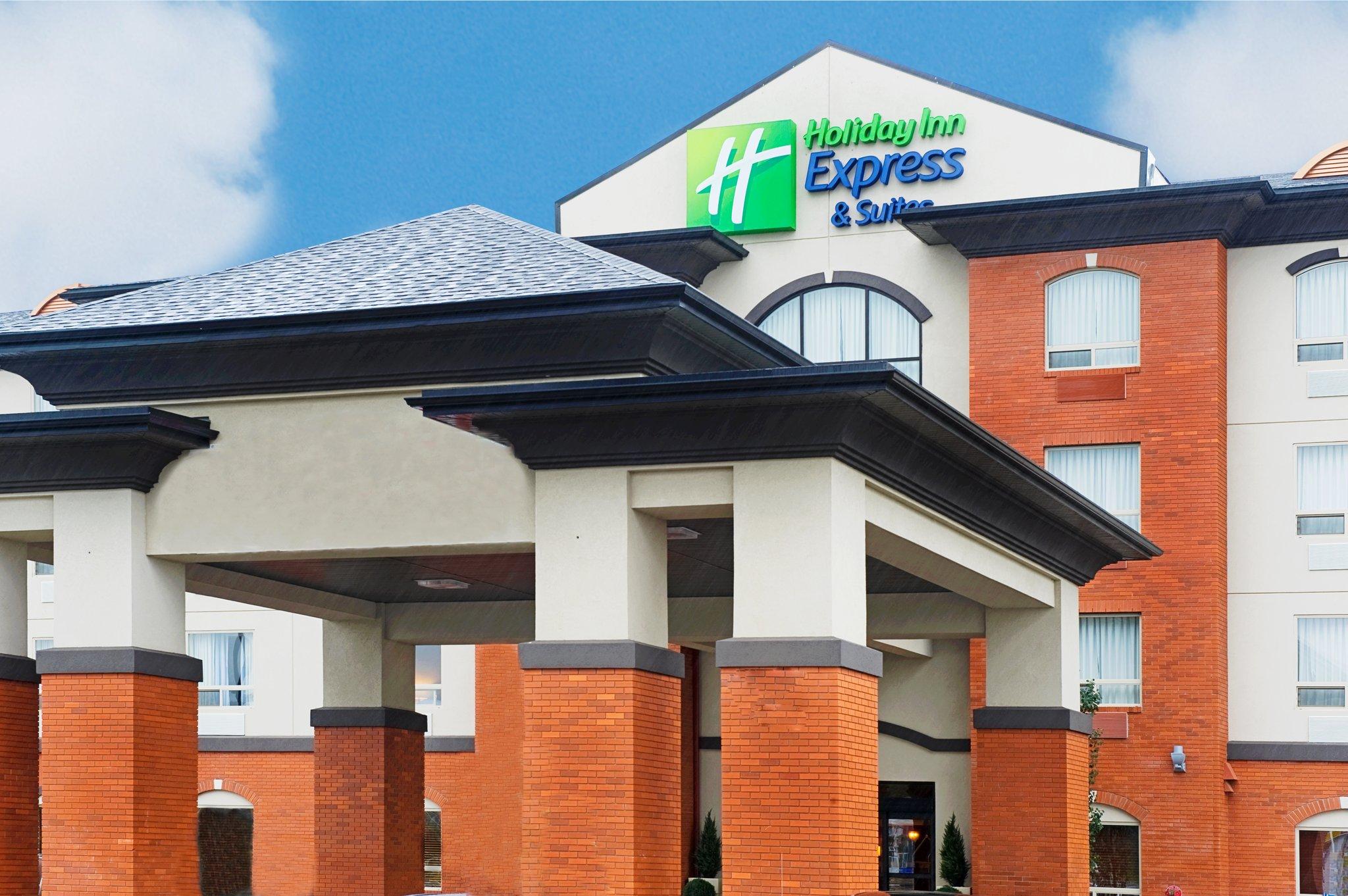 Holiday Inn Express Slave Lake