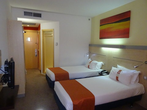 Holiday Inn Express Barcelona Sant Cugat - Double Bed Guest Room