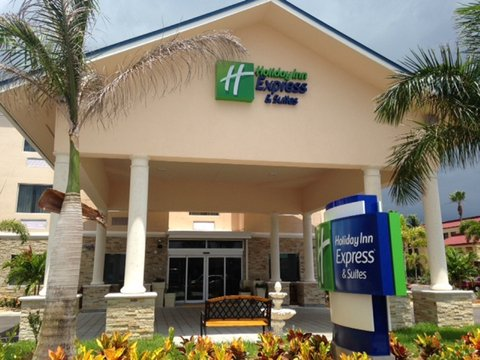 Holiday Inn Express & Suites LANTANA - Hotel Exterior