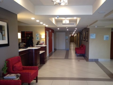 Holiday Inn Express & Suites LANTANA - Lobby