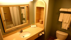Room - Holiday Inn Express Hotel & Suites Bluffton