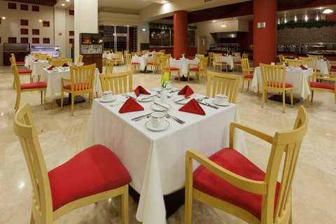 Crowne Plaza TUXPAN - Savor the flavors of Mexico at Tambuc Restaurant