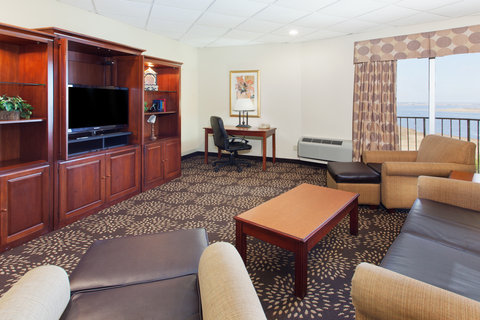 Holiday Inn Charleston Riverview Hotel - King Suite