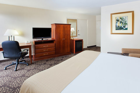 Holiday Inn Charleston Riverview Hotel - ADA Handicapped accessible Guest Room
