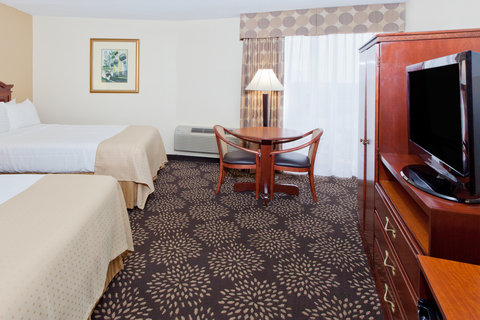 Holiday Inn Charleston Riverview Hotel - Double Bed Guest Room